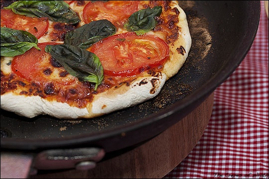 Perfect Cast Iron Pan Pizza   DINNER time.   Pinterest