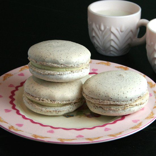 Vanilla Bean Macarons with French Buttercream Filling- recipe from ...