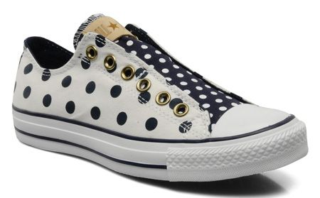 Chuck Taylor All Star Polka Dot sneakers >> Shoeperwoman