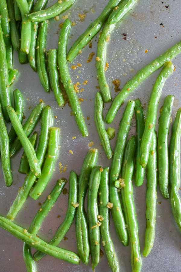 Roasted Green Beans - perfect healthy side for Thanksgiving dinner!