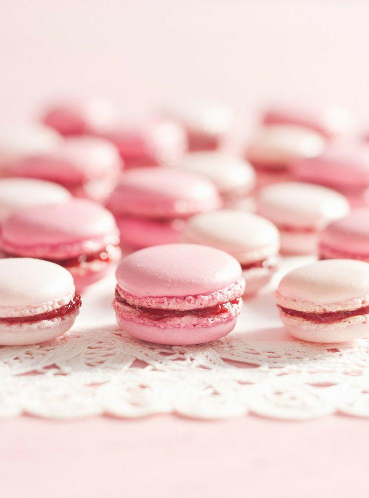 strawberry macarons | Nom Noms | Pinterest
