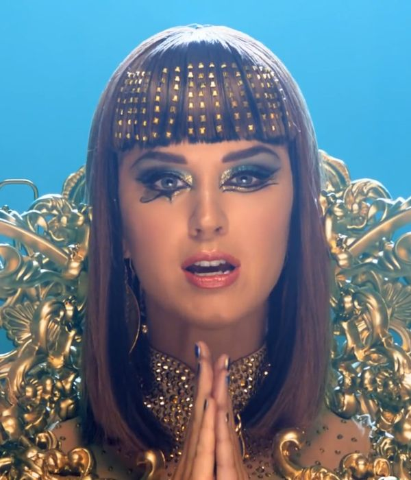 The Amazing Beauty Looks in Katy Perry's Dark Horse Video