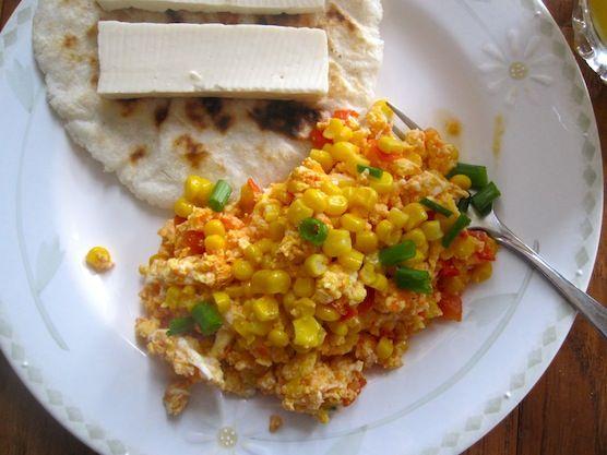 ... Pericos con Choclo (Scrambled Eggs with Tomato, Scallions and Corn