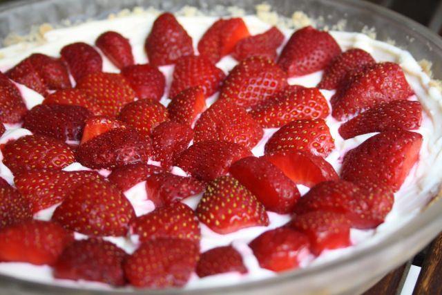 Strawberry Cream Cheese Tart | Baking & Desserts | Pinterest