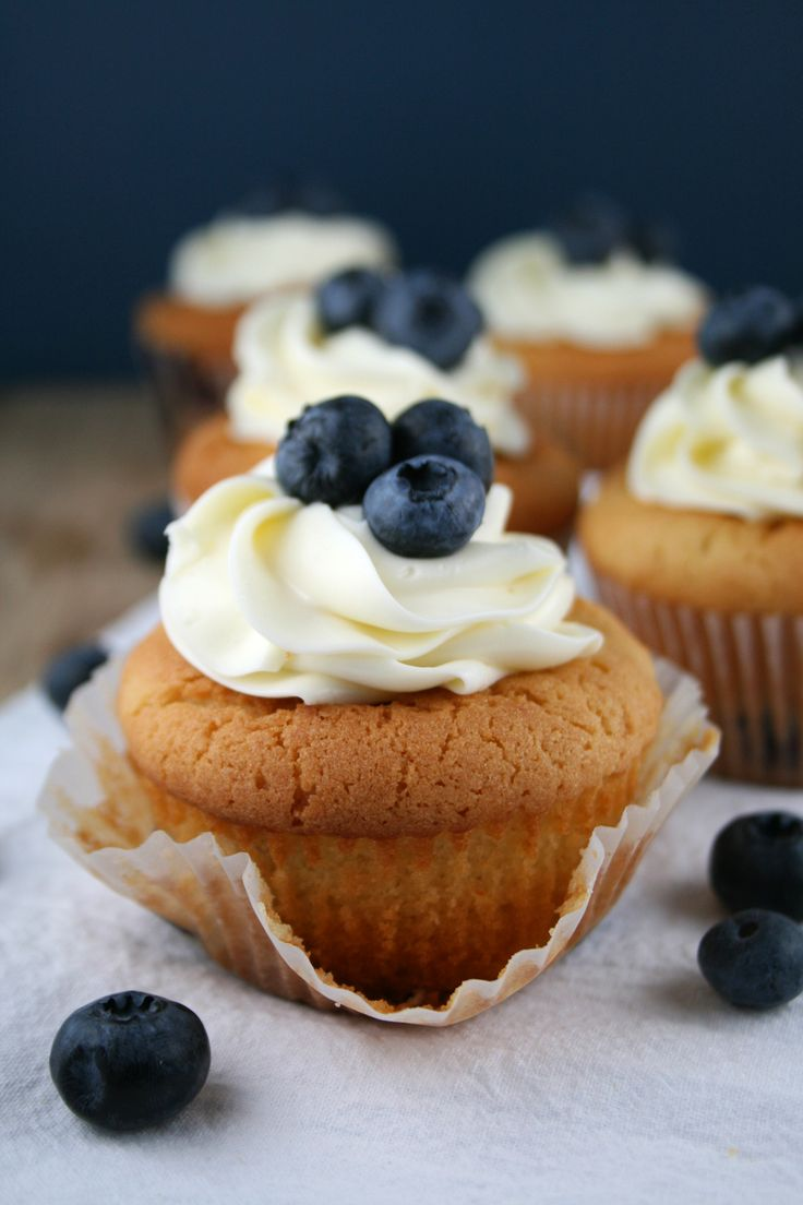 Fluffy blueberry muffins with a hint of lemon and cream cheese ...