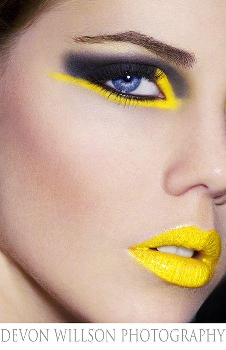 yellow lips.
