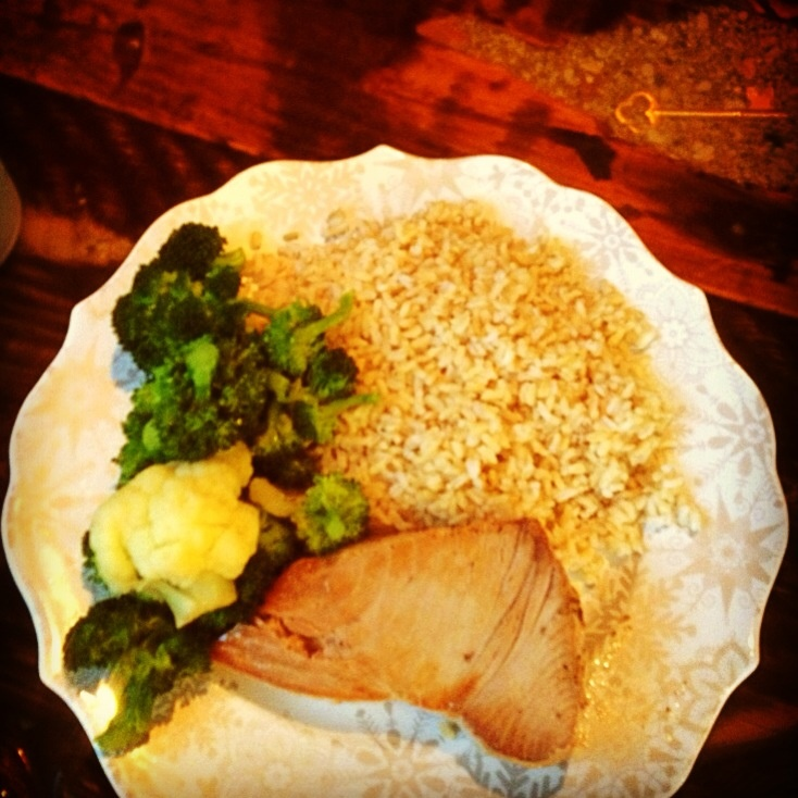 Brown rice, veggies and tuna fillet #healthyliving