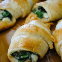 Cheesy Spinach Crescent Rolls | What2Cook