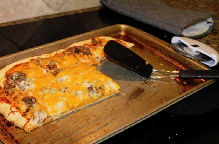 ... and Easy Pizza Sauce Recipe. Perfect for an easy weeknight dinner