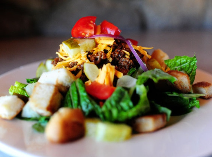 Cheeseburger Salad - use lean ground beef or turkey, skip the croutons