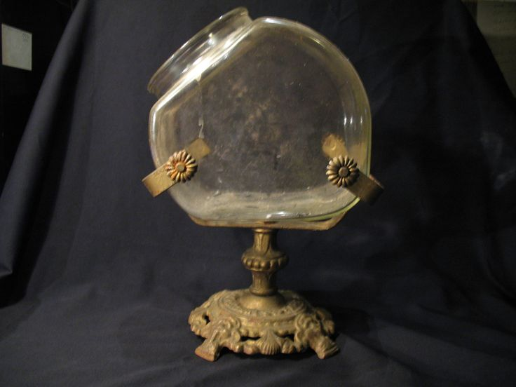 Antique victorian ornate cast iron base pedestal fish bowl for Fish bowl stand