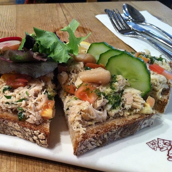 tartines tuna - pain quotidien | the food I like | Pinterest