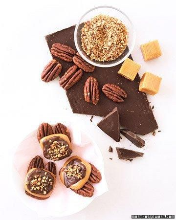 ... Day Chocolate Candies // Chocolate-Caramel Pecan Clusters Recipe
