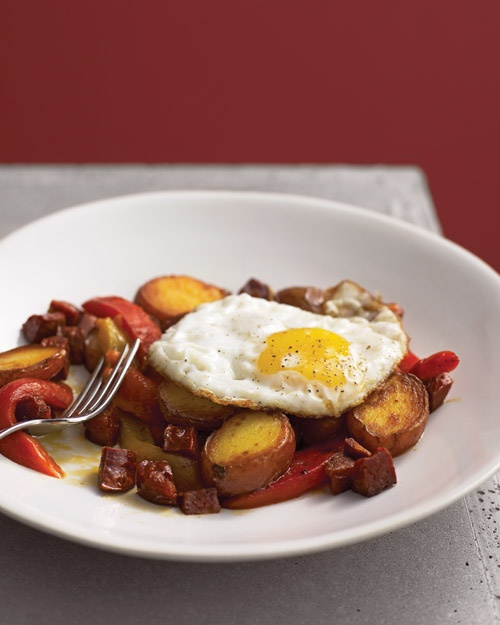 Chorizo and potatoes w/roasted red peppers and egg. At times, I ...