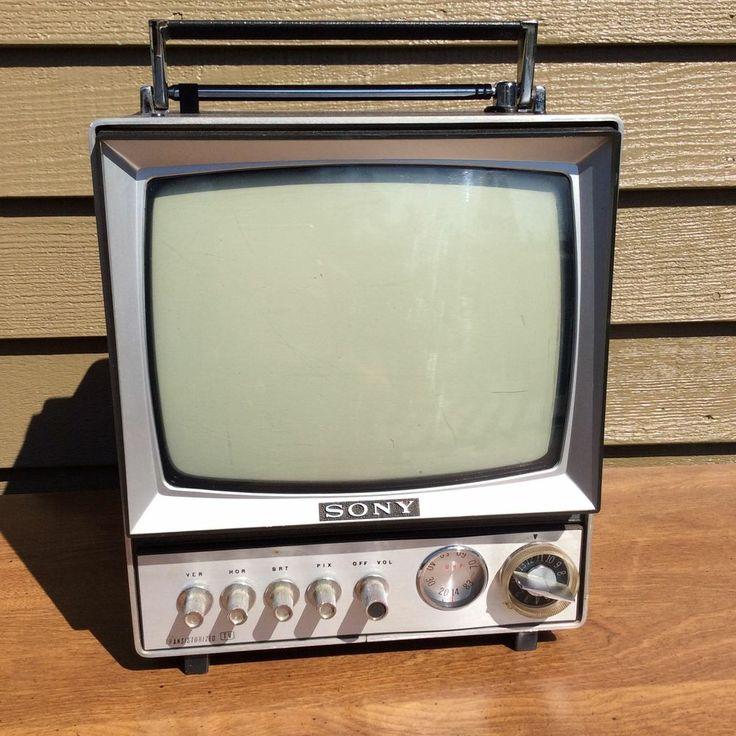 Sony vintage mini tv in case