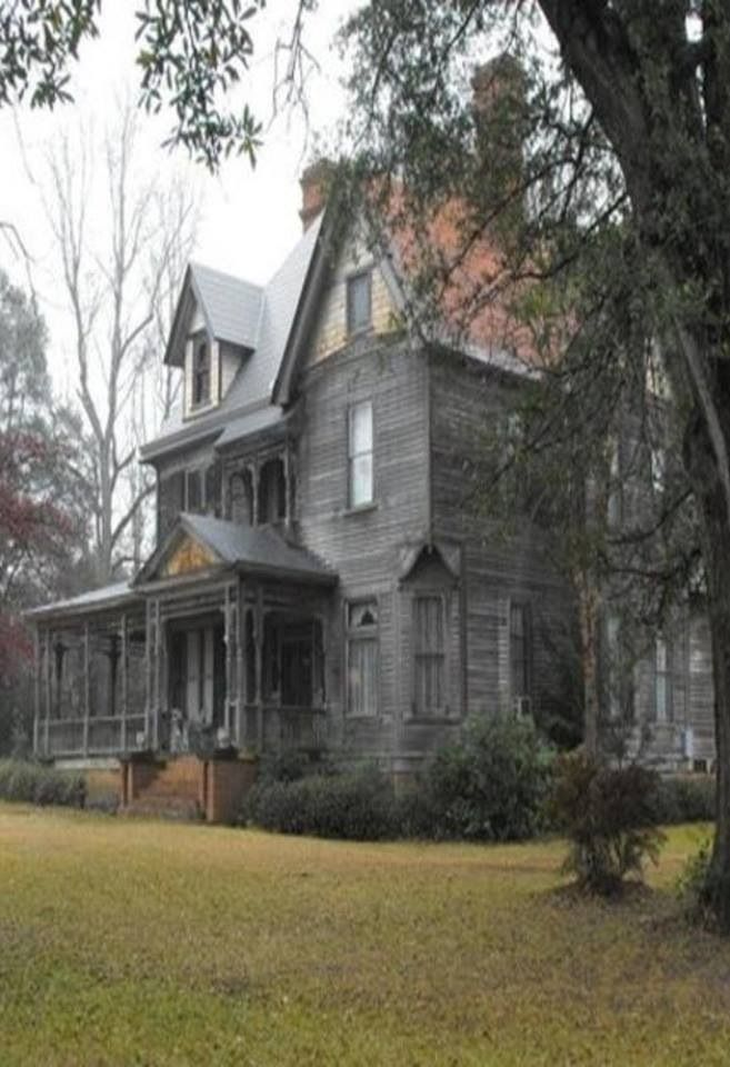 Old country house abandoned dreams pinterest for Old country homes