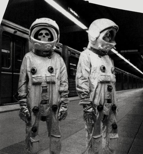 Dead Astronauts On Mars - Pics about space
