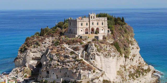 Capo Vaticano Italy  city photos : Capo Vaticano, Calabria, Italy | in Italy: Moving from Tropea, the ...