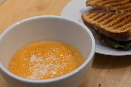 cauliflower and roasted red pepper soup | Recipes | Pinterest