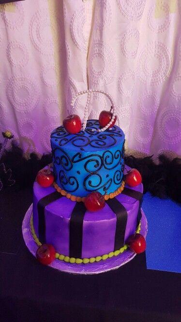 Disney Descendants Cake Images : 1000+ images about Torte on Pinterest Descendants cake ...