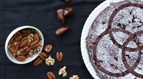 Chocolate Walnut Pecan Date Pie [v, gf] | Healthy Eats | Pinterest