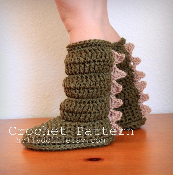 Free Crochet Pattern For Monster Slippers : Dinosaur slipper boots on Etsy. Crochet Pinterest