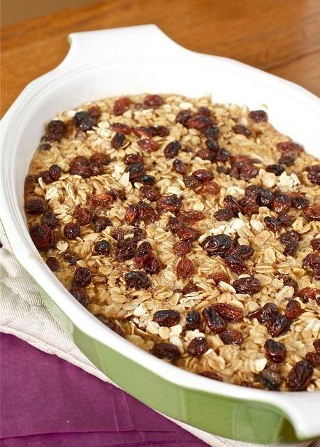 Baked Apple Cinnamon Raisin Oatmeal | the foodie in me | Pinterest