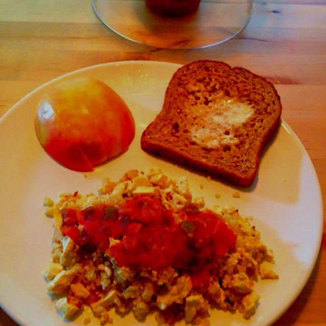 Vegan protein packed breakfast! Tofu and quinoa scramble with salsa ...