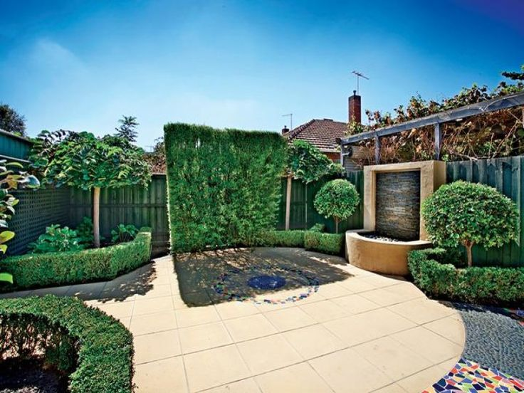 Townhouse backyard ideas joy studio design gallery for Townhouse garden ideas