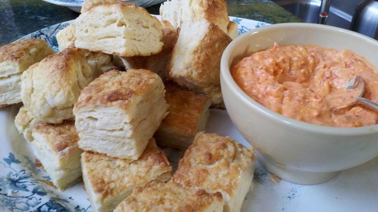 Flaky biscuits and pimento cheese | Recetas | Pinterest