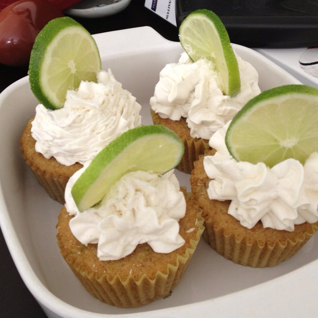 Coconut lime cupcakes | Food and Drink | Pinterest