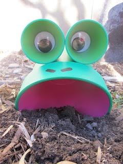 DIY Thursday: Flowerpot Frog