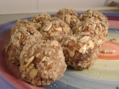 nut butter balls - look like a great, healthy snack!