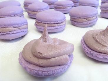 Blackberry macarons | Sweets | Pinterest