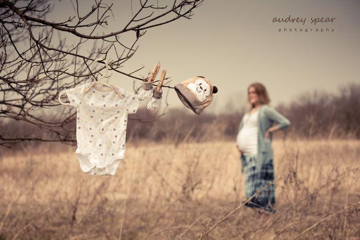 Outdoor Maternity | Photo Shoot Ideas: Maternity | Pinterest