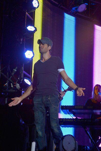 Iglesias Photos - Enrique Iglesias Performs in Las Vegas - Zimbio