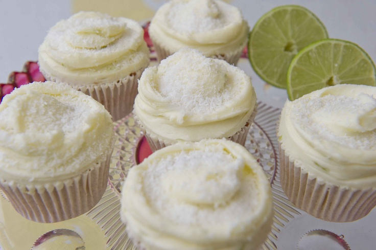 Lime & Coconut cupcakes. | Cupcakes | Pinterest
