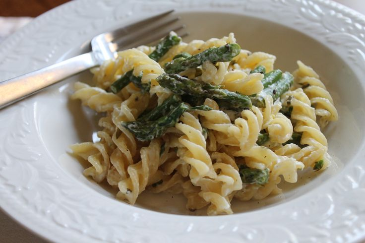 asparagus, goat cheese and lemon pasta from frugalfoodiefamily