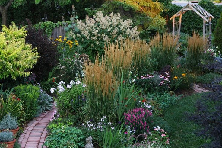 Perennial landscaping rustic landscaping ideas pinterest for Perennial landscaping ideas