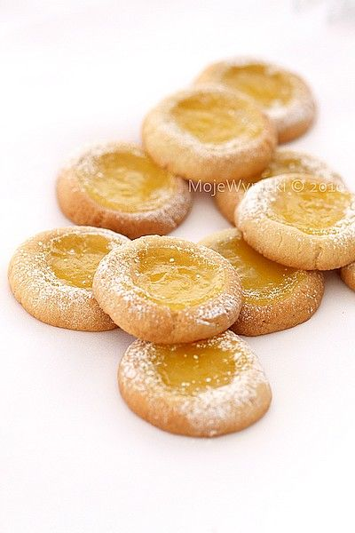 Shortbread cookies with lemon curd | yellow sweets | Pinterest