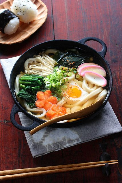 nabeyaki udon (hot pot udon) - udon noodles, dashi soup, soy sauce ...