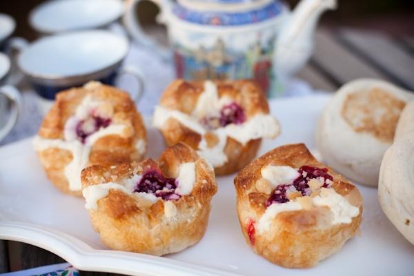 Easy jam bites puff pastry, jam, cream cheese in muffin tin