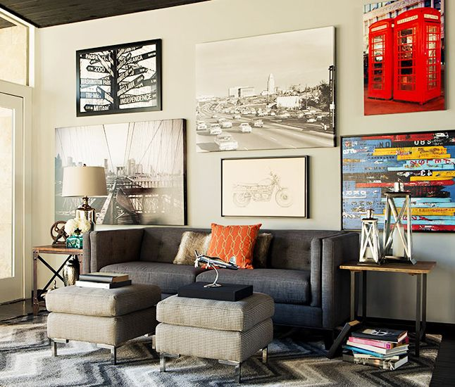 Neutral walls with artistic accents // Living Rooms