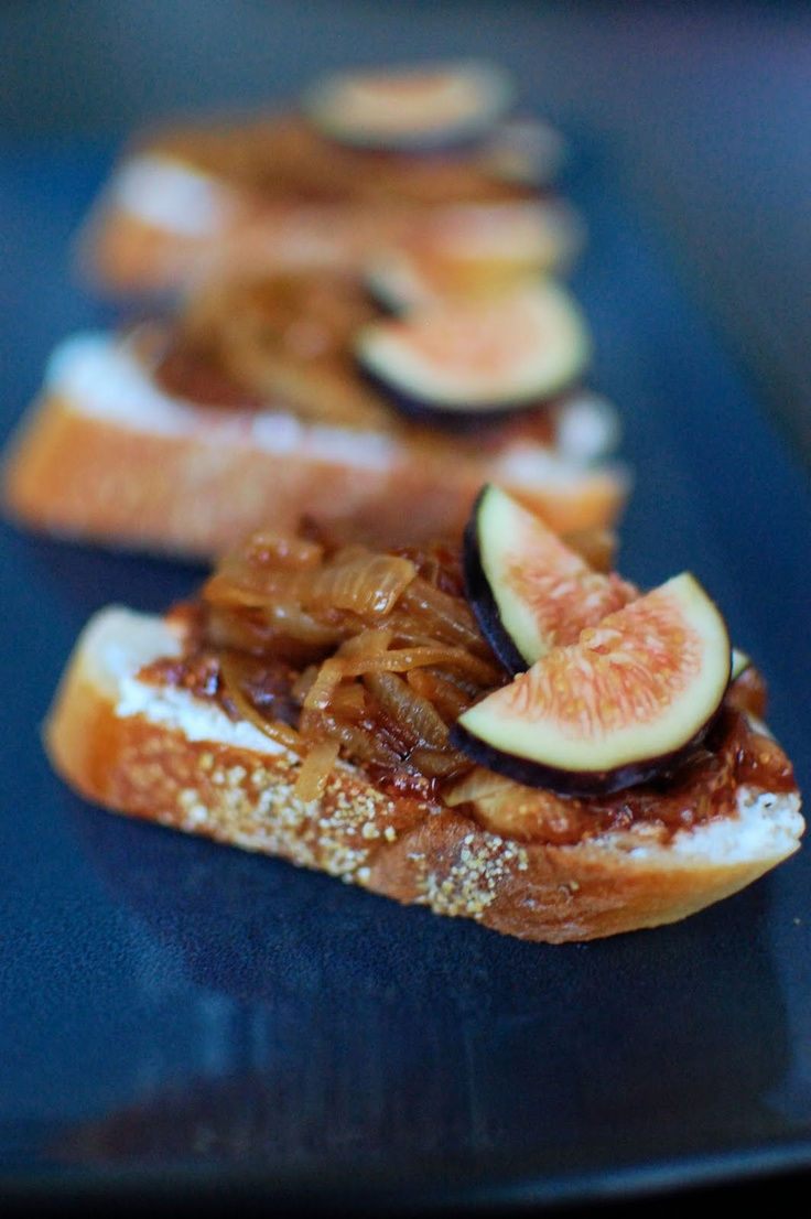 Fig, Goat Cheese, and Caramelized Onion Crostini - our staple crostini ...