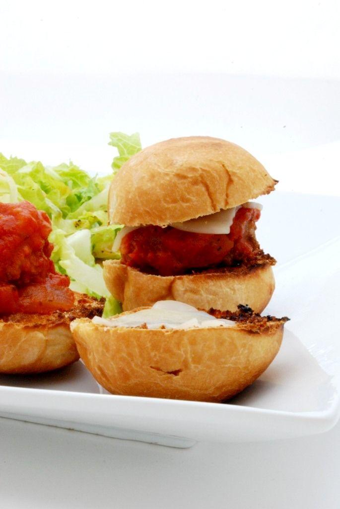 Mini Meatball Sliders on http://www.cakeandallie.com