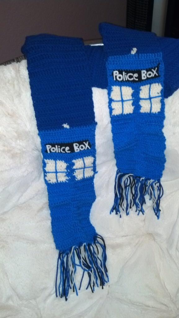 Free Crochet Pattern Tardis Hat : TARDIS Doctor Who Scarf knit Pinterest