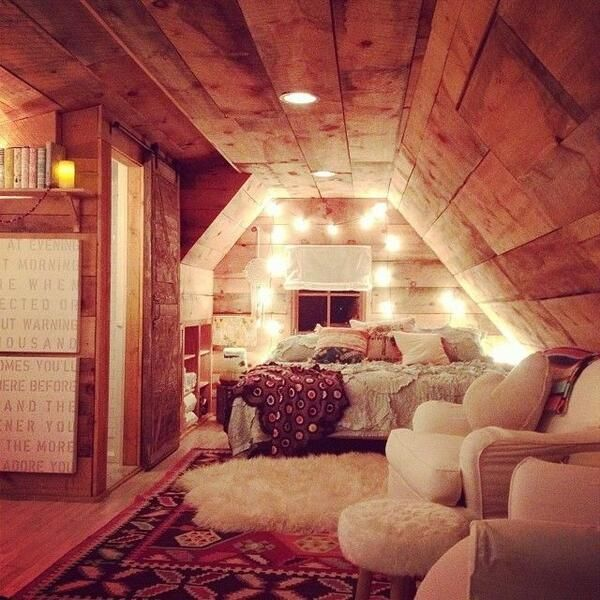 Cozy space in an attic beautiful home pinterest An attic room