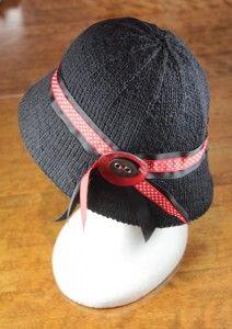 Knit bucket hat - free pattern!