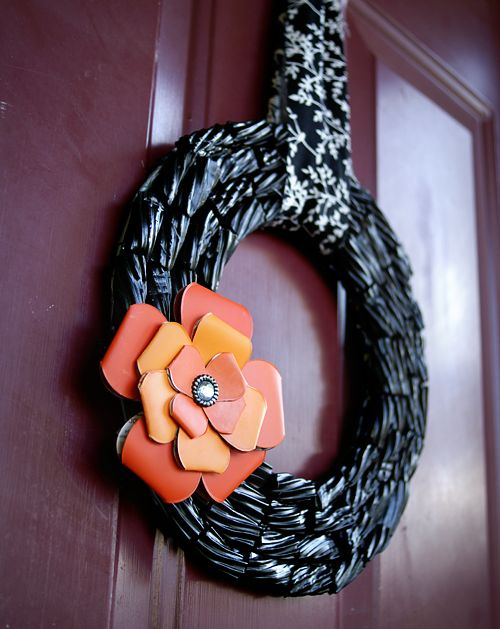Make a #HalloweenDIY #Wreath from Licorice and paint chips @savedbyloves