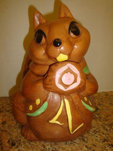 twin winton squirrel cookie jar